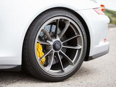 Groove ridges make tyre stiffer and lighter