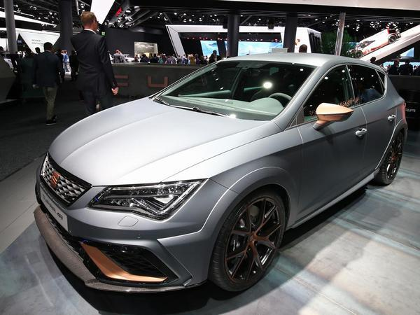 seat leon cupra r frankfurt 2017 pistonheads. Black Bedroom Furniture Sets. Home Design Ideas