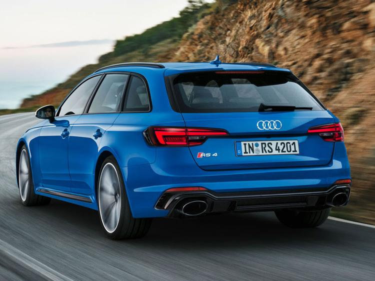 New Audi RS4 Avant guns for AMG C63 S