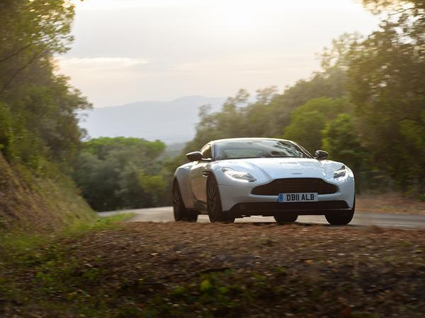 Aston Martin Surprises Us With Project Neptune Submersible