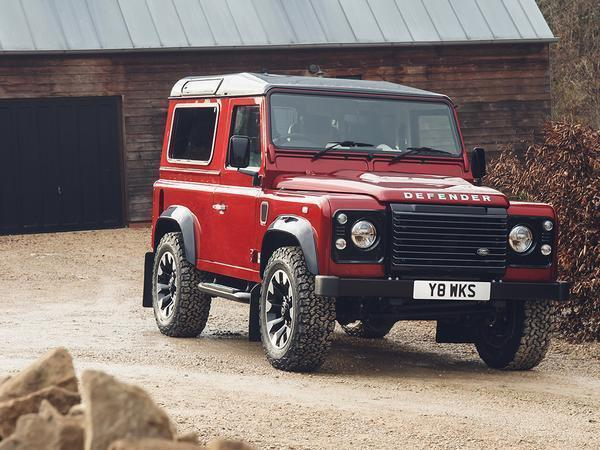 Old Land Rover Defender launched with V8 engine and 400 bph
