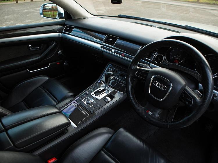 audi s8 v10 spotted pistonheads. Black Bedroom Furniture Sets. Home Design Ideas