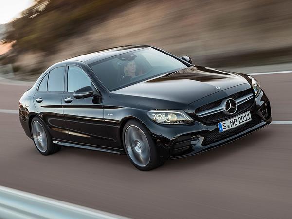Mercedes-AMG C43 Breaks Cover