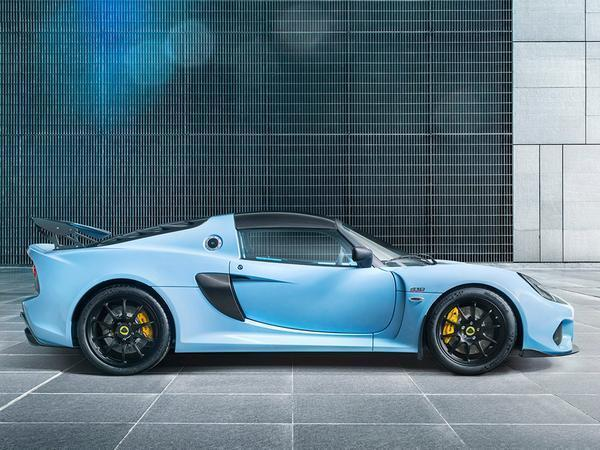 New Lotus Exige Sport 410 punches well above its low weight