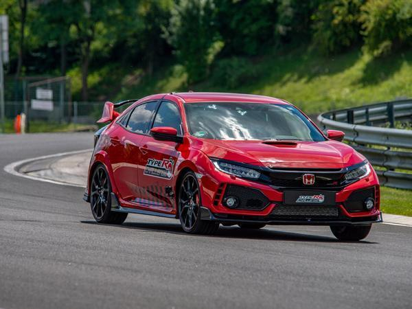 Jenson Button breaks lap record in Honda Civic Type R record