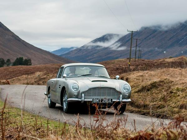 Aston Martin is recreating James Bond's DB5 from 'Goldfinger' - with gadgets