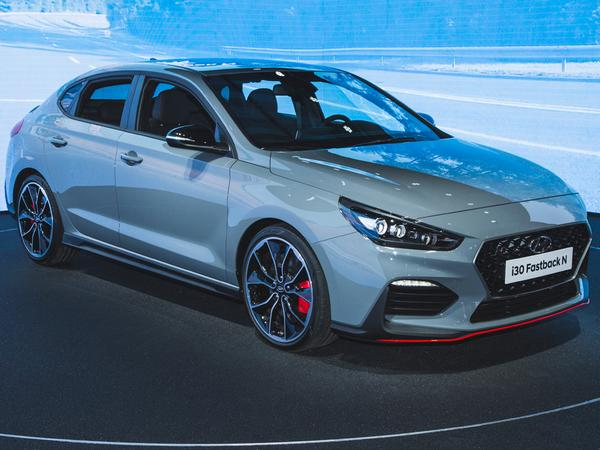 hyundai i30 fastback n revealed pistonheads. Black Bedroom Furniture Sets. Home Design Ideas