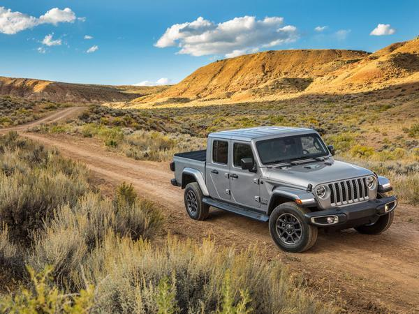 2020 Jeep Gladiator Official Photos And Info Leaked Hours Before Official Reveal
