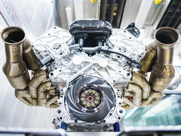 Aston Martin Valkyrie V12 Cosworth Engine is an AURAL delight