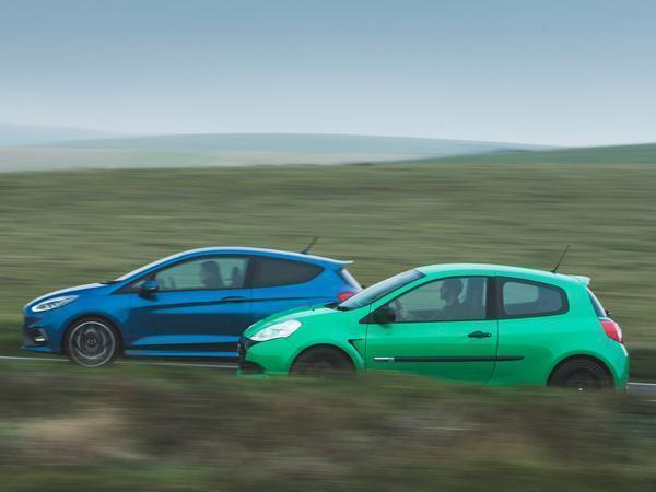 renaultsport clio 200 cup vs ford fiesta st pistonheads. Black Bedroom Furniture Sets. Home Design Ideas