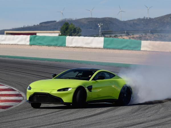 aston martin vantage amr manual confirmed pistonheads. Black Bedroom Furniture Sets. Home Design Ideas