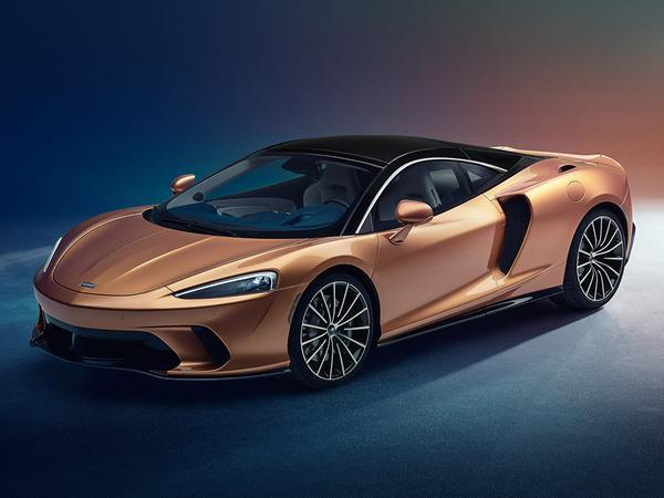 McLaren GT - grand tourer à la Woking with 620 PS