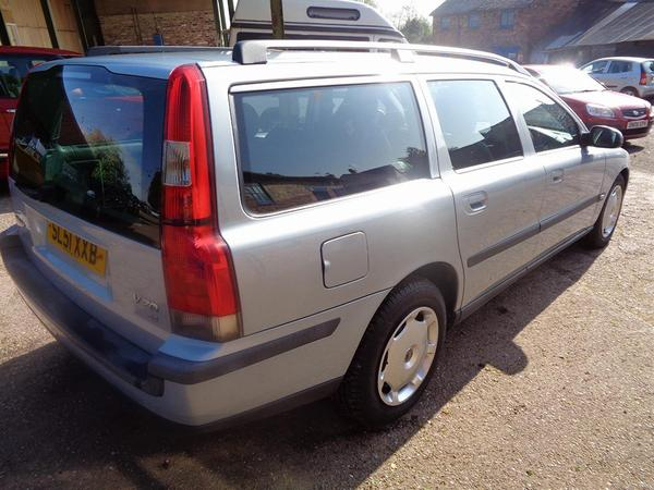 Shed of the Week | Volvo V70 | PistonHeads