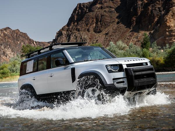 Land Rover Defender Debuts in Germany