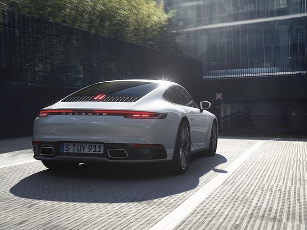 Porsche 911 Carrera 4 pricing and specs